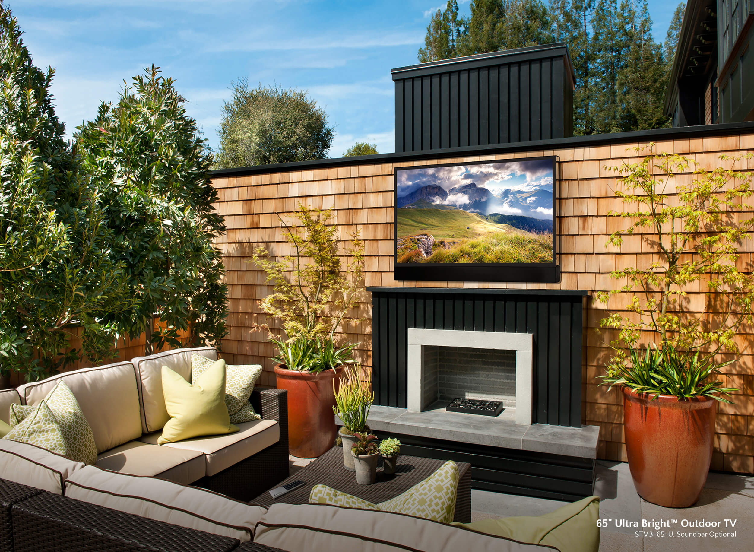 Create an Unforgettable Thanksgiving Experience with Outdoor A/V