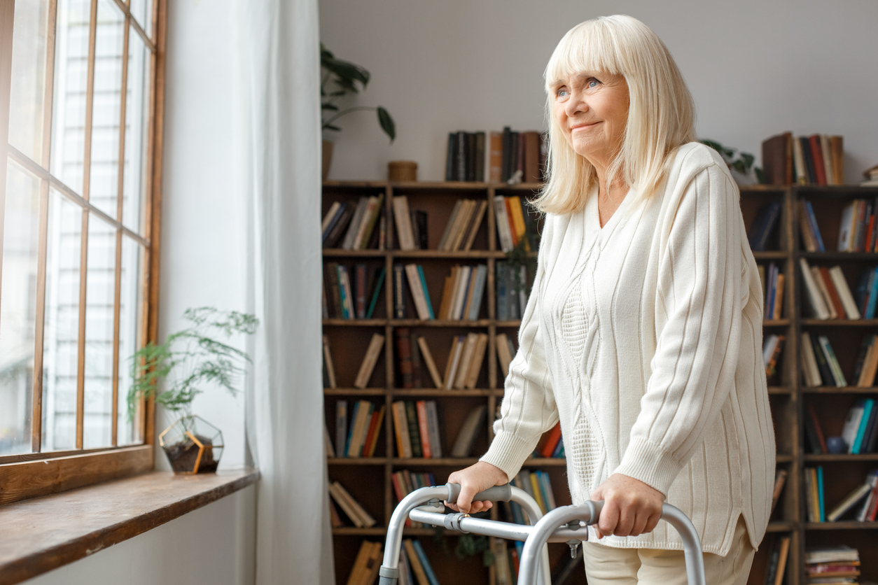 Keep Your Elderly Loved Ones Safe with a Personal Emergency Response System